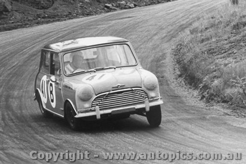 66717 - Cray / Holland Morris Cooper - Bathurst 1966