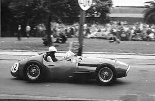 58515 - S. Jones Maserati 250F - Albert Park 1958
