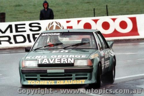 83724 - J. Moore / G. Moore - Ford Falcon XE Bathurst 1983