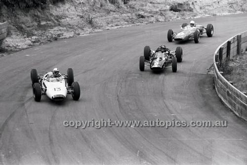 Bob Holden, Lynx Peugeot, Leo Geoghegan, Lotus 27 - Catalina Park Katoomba - 8th November 1964 - Code 64-C81164- 19