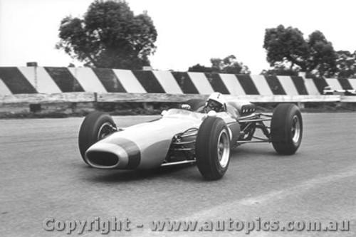 65516 - Spencer Martin  Brabham - Sandown  1965