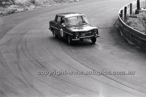 B. McGrath, Renault R8 - Catalina Park Katoomba - 8th November 1964 - Code 64-C81164- 40