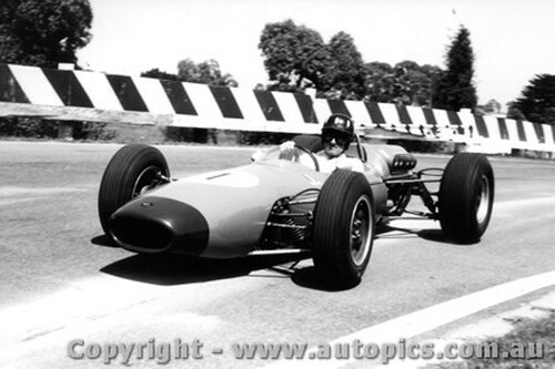 65519 - Graham Hill  Brabham - Sandown Tasman Series  1965