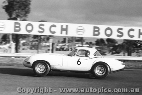 66415 - Bob Jane E Type Jaguar  - Sandown 1966