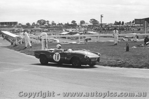 66417 - B. Sampson Triumph Spitfire  - Sandown 1966