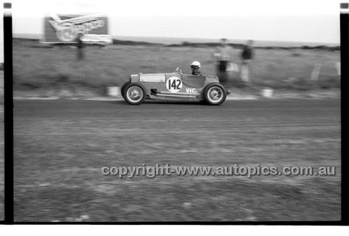 D. Dunoon, Austin  7 - Phillip Island - 27th October 1957 - Code 57-PD-P271057-067