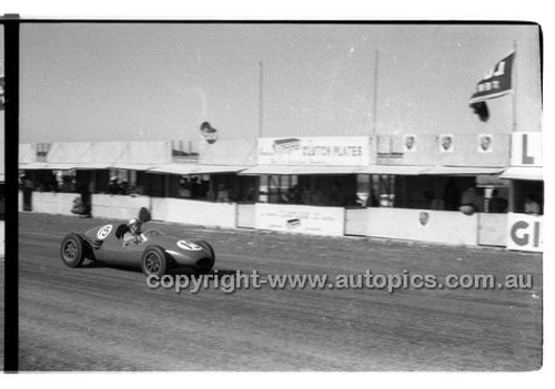 A. Mildren, Cooper Climax - Phillip Island - 26th December 1958 - 58-PD-PI261258-018