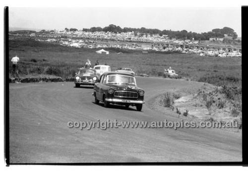Bob Holden, Repco Holden - Phillip Island - 26th December 1958 - 58-PD-PI261258-053