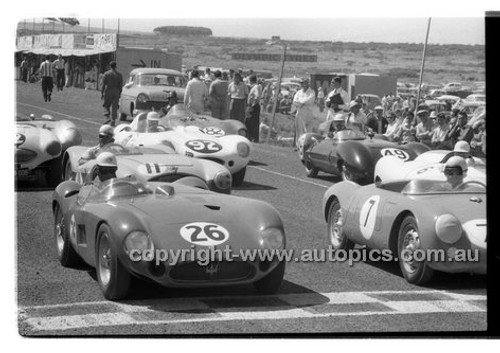 #26 D. Whiteford, Maserati 300S - Phillip Island - 26th December 1958 - 58-PD-PI261258-059