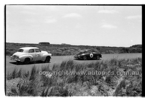 L. Calllaway, Porsche 600S - Phillip Island - 26th December 1958 - 58-PD-PI261258-100
