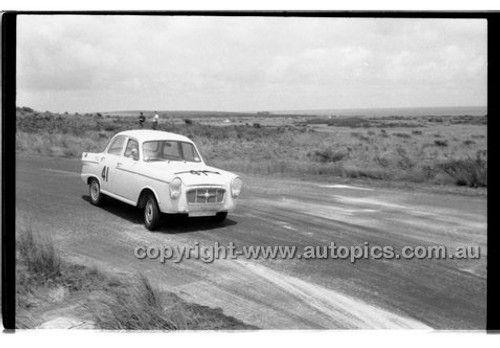 P. Manton, Monaro Major II - Phillip Island - 13th December  1959 - 59-PD-PI231259-079