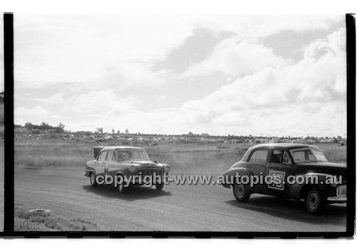 Norm Beechey, Holden FX & John Reaburn - Phillip Island - 13th December  1959 - 59-PD-PI231259-153