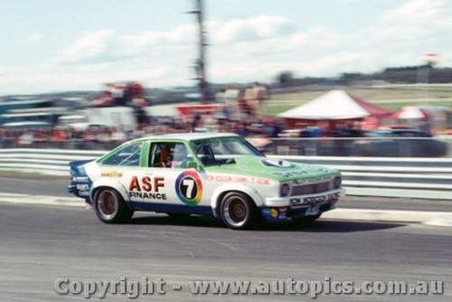 79016 - Bob Morris Holden A9X - Sandown  1979