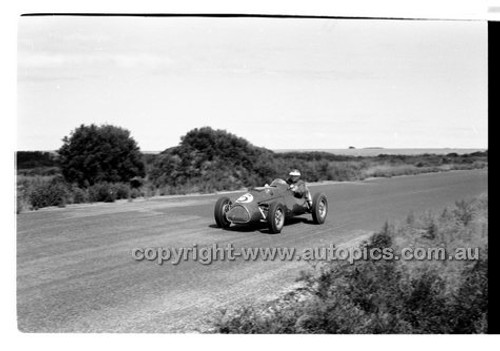 D. Piper, Cooper Bristol - Phillip Island - 14th March 1960 - 60-PD-PI14360-043