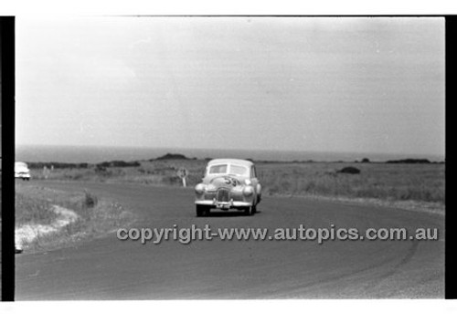 Phillip Island - 12th December 1960 - 60-PD-PI121260-002