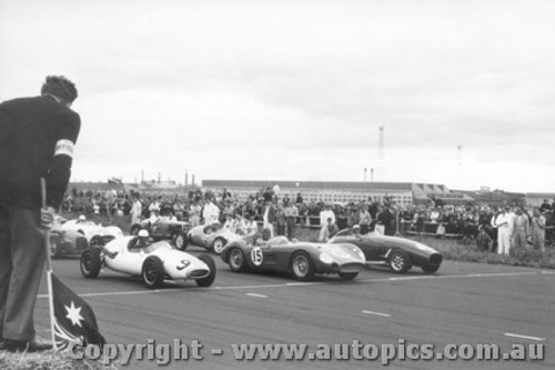 58522 - Start of the Victorian Road Race Championships - Front Row E. Gray Tornado / B. Jane Maserati 300s / B. Patterson Cooper Climax - Fishermen s Bend 1958