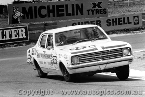 68719 - SIB PETRALIA / JIM SULLIVAN  Holden Kingswood 186S - Bathurst 1968