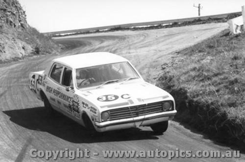 68720 - SIB PETRALIA / JIM SULLIVAN  Holden Kingswood 186S  - Bathurst 1968