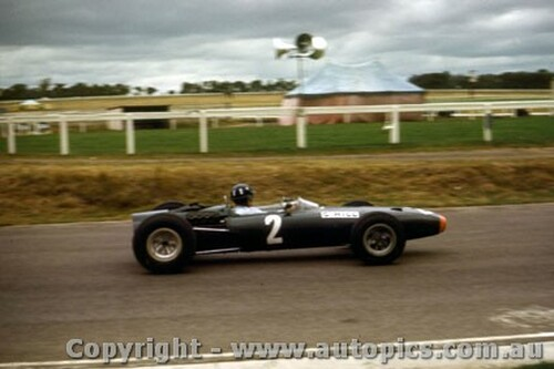 66548 - Graham Hill BRM  Sandown 1966 Tasman