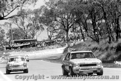 75747 - B. Morris / F. Gardner Torana SLR 5000 and C. OShanesy / D. Booth Morris Cooper S - Bathurst 1975
