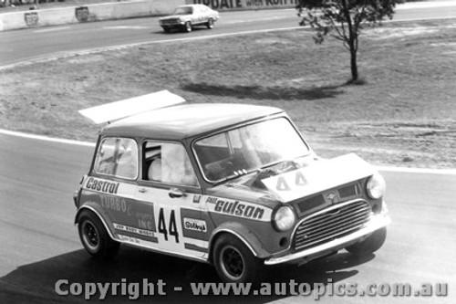 72083 - Paul Gulson Morris Mini - Oran Park 1972