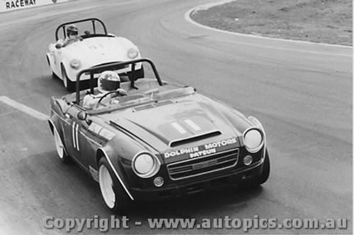 73407 - L. Porter Datsun 2000  C. Einberg Turner Ford - Oran Park 1973