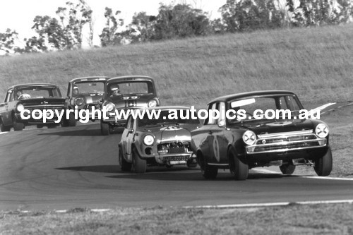 68008  -  First Lap  -  Oran Park 1968 - Garth - Cortina / Manticas - Buckle Mini / Barnes - Mini / Cook - Morris Mini