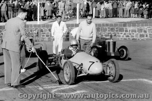 59505 - B. Walton Walton Cooper  - Geelong Speed Trials 1959
