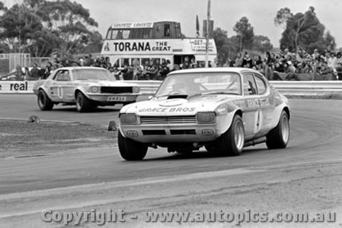 72086 - B. Cary Capri V8 &  R. Gill Mustang  - Calder  1972