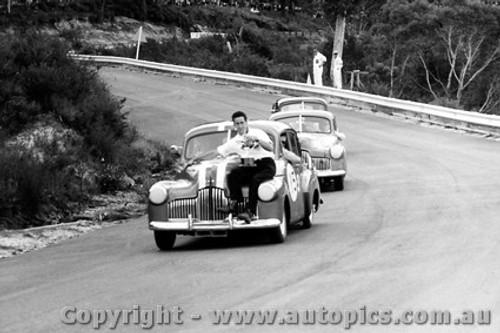 64019 - B. Seton Holden FX Winner of the Neptune Trophy Race - Catalina Park Katoomba 1964