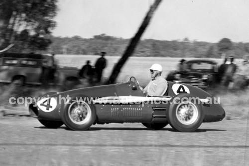 57007 - Lex Davison, Ferrari - 155.9 mph - National Speed Trials 28th September 1957 - Coonabarabran