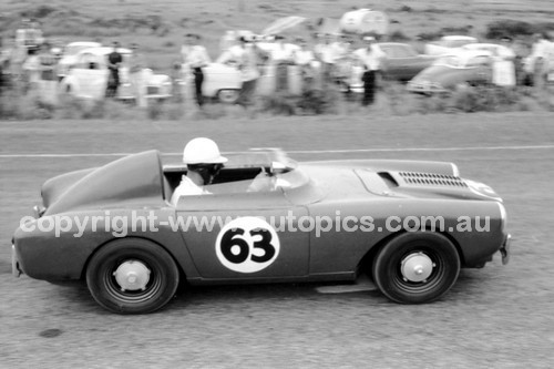 59633 -  Paul Samuel Berkeley Sports -  Phillip Island 23th December 1959 - Photographer Peter D'Abbs