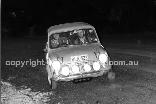 71915 - Evan Green, Morris Cooper S - Heatway Rally New Zealand 1971