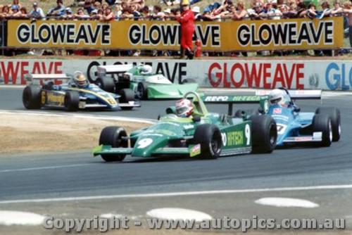 81518 - N. Piquet  Ralt RT4 / M. Quinn Gallowar / A. Miedecke Ralt RT4 / R. Hanger March 77B - AGP Calder 1981