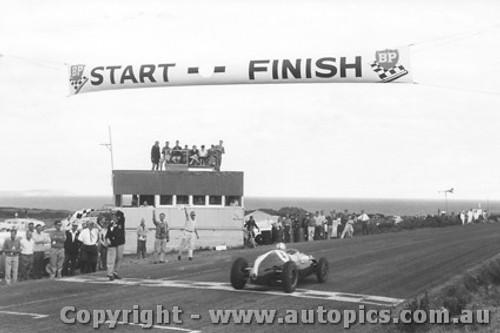 60506 - Jack Brabham Cooper - Phillip Island 1960