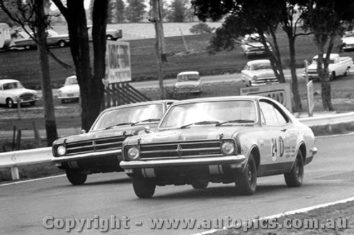 68729  -  JIM PALMER / PHIL WEST  -  Bathurst 1968 - 2nd Outright - Holden Monaro GTS 327