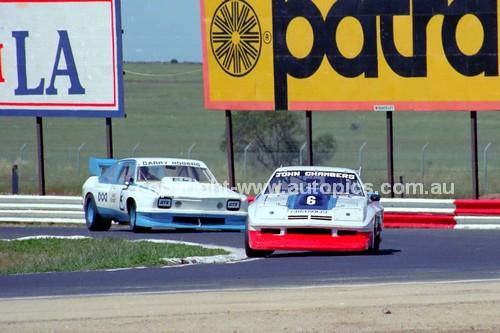 81101 - John Chambers, Chev Monza & Gary Rogers, Torana V8 - Calder 8th November 1981 - Photographer Peter D'Abbs