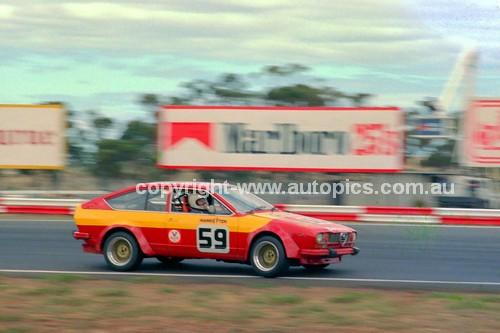 81089 - Joseph Beninca, Alfetta GTV  - Calder 15th March 1981 - Photographer Peter D'Abbs