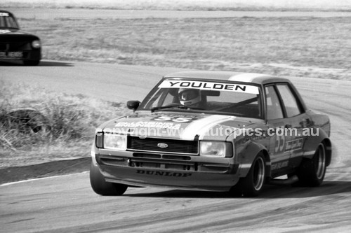 80083 - K. Youlden Sports Sedan Cortina - Winton 1980 - Photographer Darren House