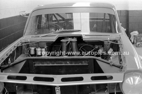 74438 - Ron Harrop, Holden EH - Sandown 1974 - Photographer Darren House