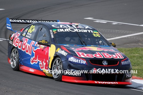 16722 - Jamie Whincup & Paul Dumbrell, Holden Commodore VF - 2016 Bathurst 1000