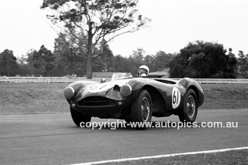 64086 - Ron Thorp, Aston Martin  - Warwick Farm 1964 - Photographer Lance J Ruting