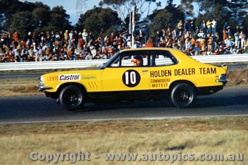 72099 - P. Brock Holden Torana XU1 V8 - Calder  1972