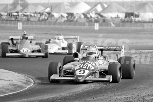 84530 - Keke Rosberg Ralt RT4 - Brett Fisher Liston BF2 - Dave McMillan Ralt  RT4 - Calder 1984 - Photographer Peter D'Abbs
