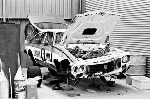 79088 - Allan Grice, Torana A9X - Amaroo Park 1979 - Photographer Lance J Ruting