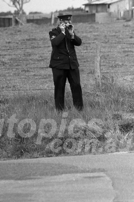 69357 - Everyone wants to be a photographer - Bathurst 1969 - Photographer Lance J Ruting