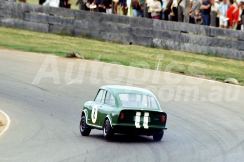 67104 - Laurie Stewart, Broadspeed  - Oran Park 1967 - Photographer Richard Austin