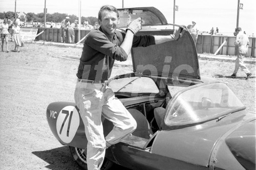 61018 - J. Fish - Decca GT - Phillip Island 1961 - Photographer Peter D'Abbs
