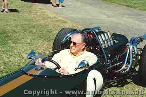 202510 - Jack Brabham Repco Brabham - Speed on Tweed 2002 - Photographer David Blanch
