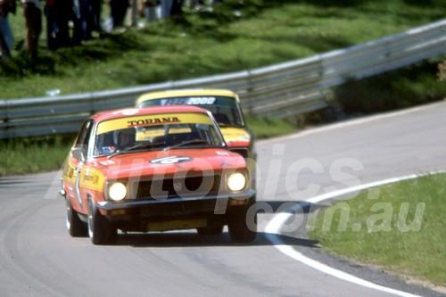 75131 - John Stoopman & Stuart Saker Torana LJ XU1- Bathurst 1975 - Photographer Bob Jess